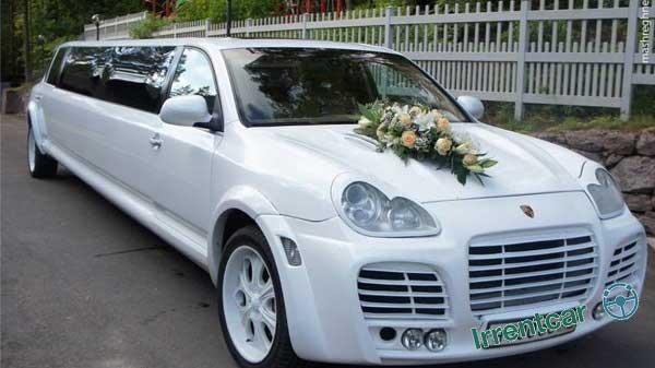 با اجاره ماشین عروس لیموزین در شب عروسی خود بدرخشید