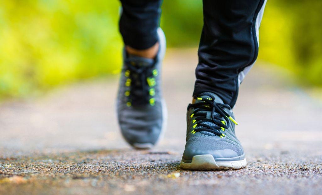 کفش راهپیمایی